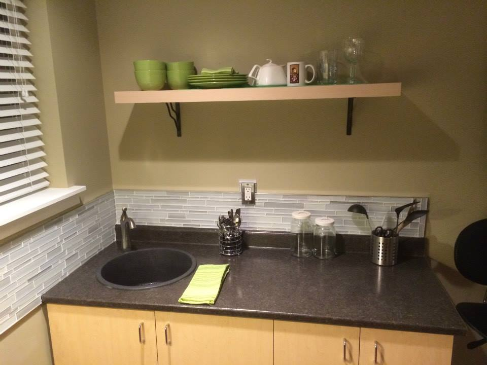 Mira Kitchenette at Suite Amour Hobby Farm and Bed and Breakfast, Qualicum Beach BC